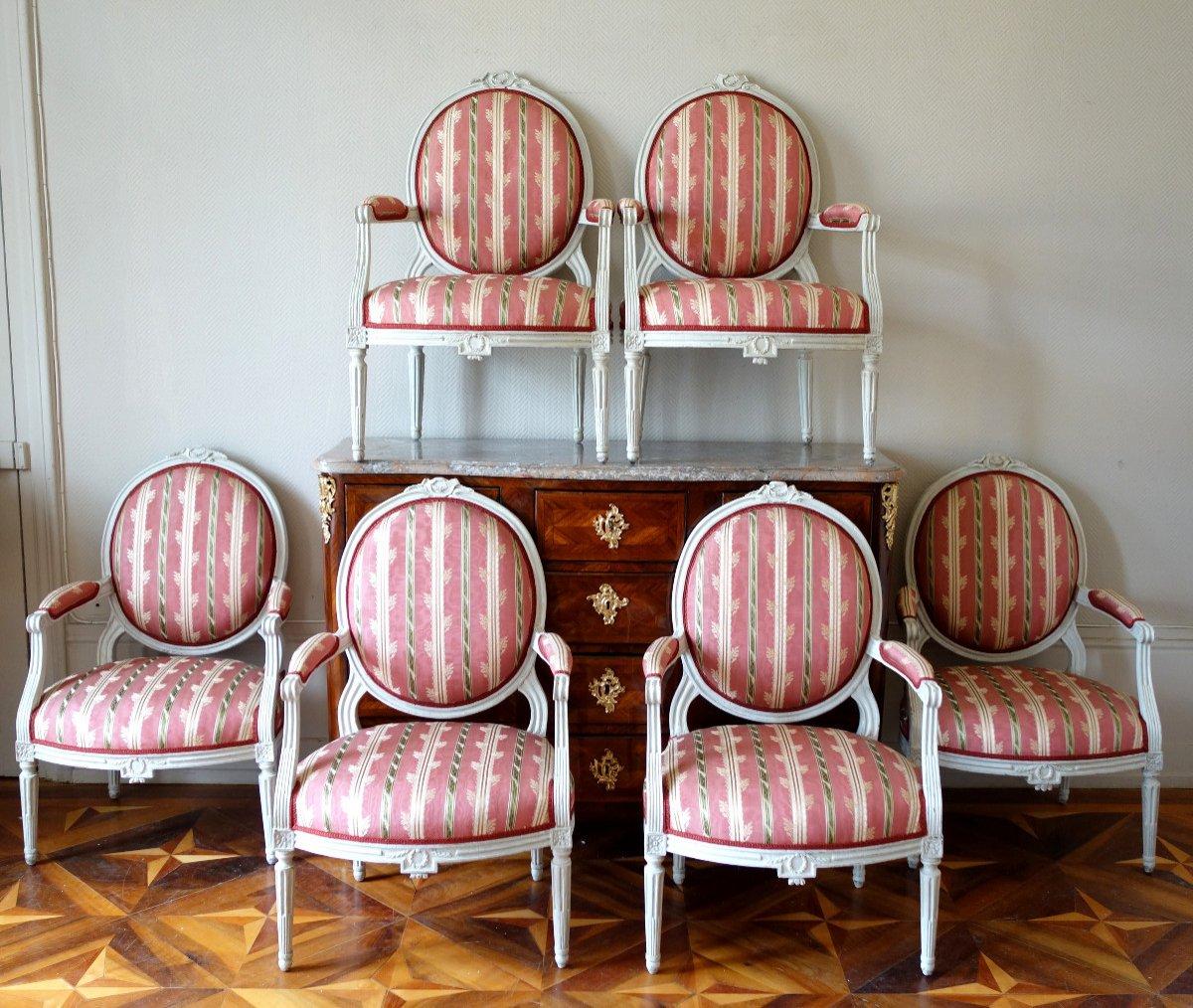 Mobilier De Salon - 6 Fauteuils à La Reine d'époque Louis XVI à Dossier Médaillon