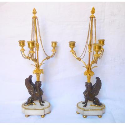 Paire De Candélabres Directoire Aux Sphinges d'époque Fin 18e Début 19e Siècle - Bronze Marbre