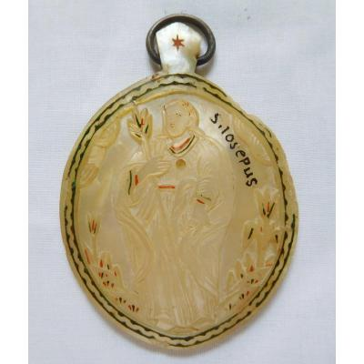 Saint Joseph Medallion In Mother Of Pearl From 17th - 18th Century