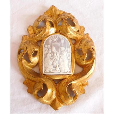 Finely Cut And Framed Cameo: Souvenir Of The Grand Tour- Italian Work From The 18th Century.