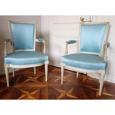 Paire De Fauteuils Cabriolets d'époque Louis XVI Canetillé De Soie Bleu