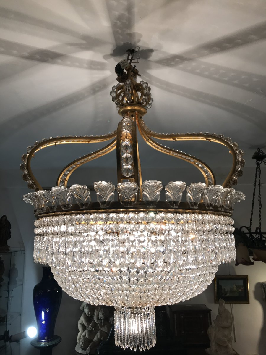 Stunning And Imposing Chandelier Crown Baccarat