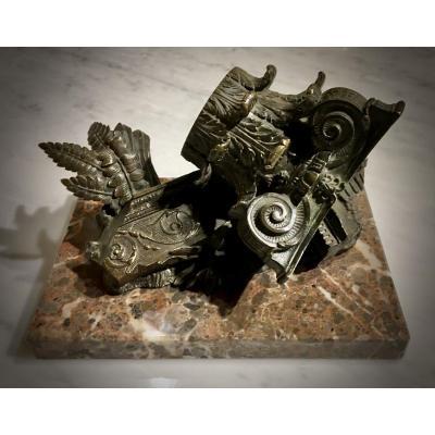 Chapiteau Corinthien En Bronze. Objet du Grand Tour.