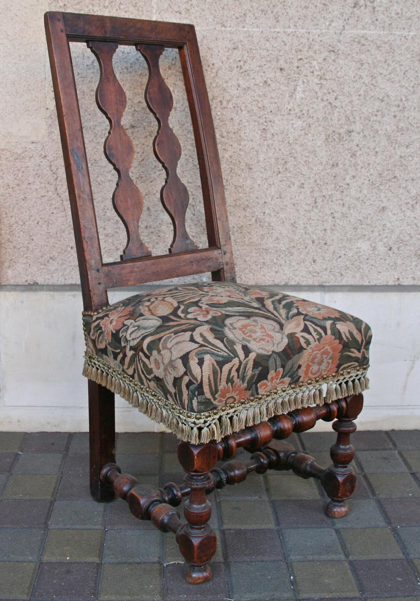 chaise espagnol xviii me en noyer chaises tabourets. Black Bedroom Furniture Sets. Home Design Ideas