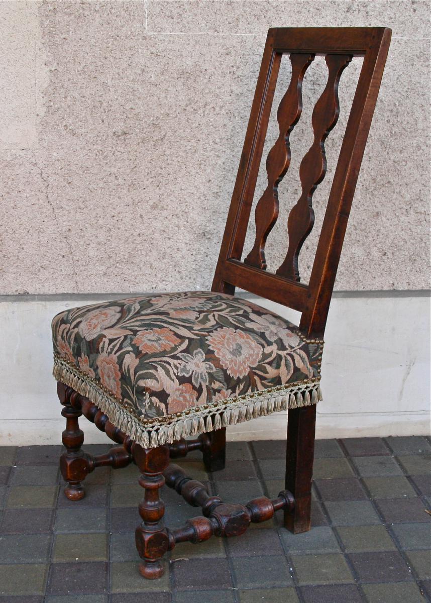 chaise espagnol xviii me en noyer chaises tabourets On chaise espagnol
