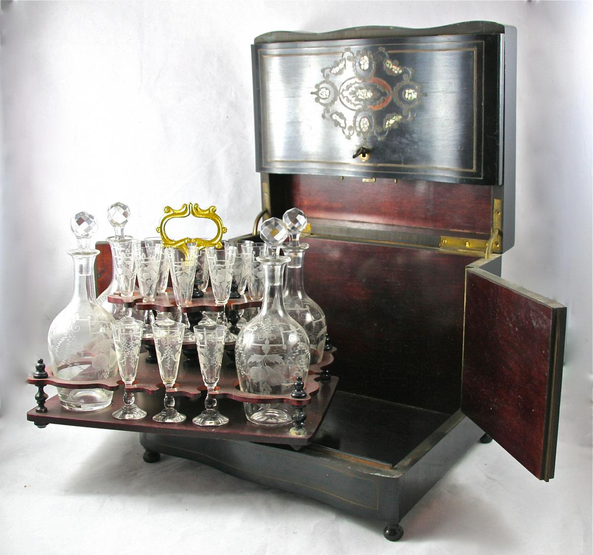 XIXth Century Wooden Liqueur Cellar And Crystal Glass