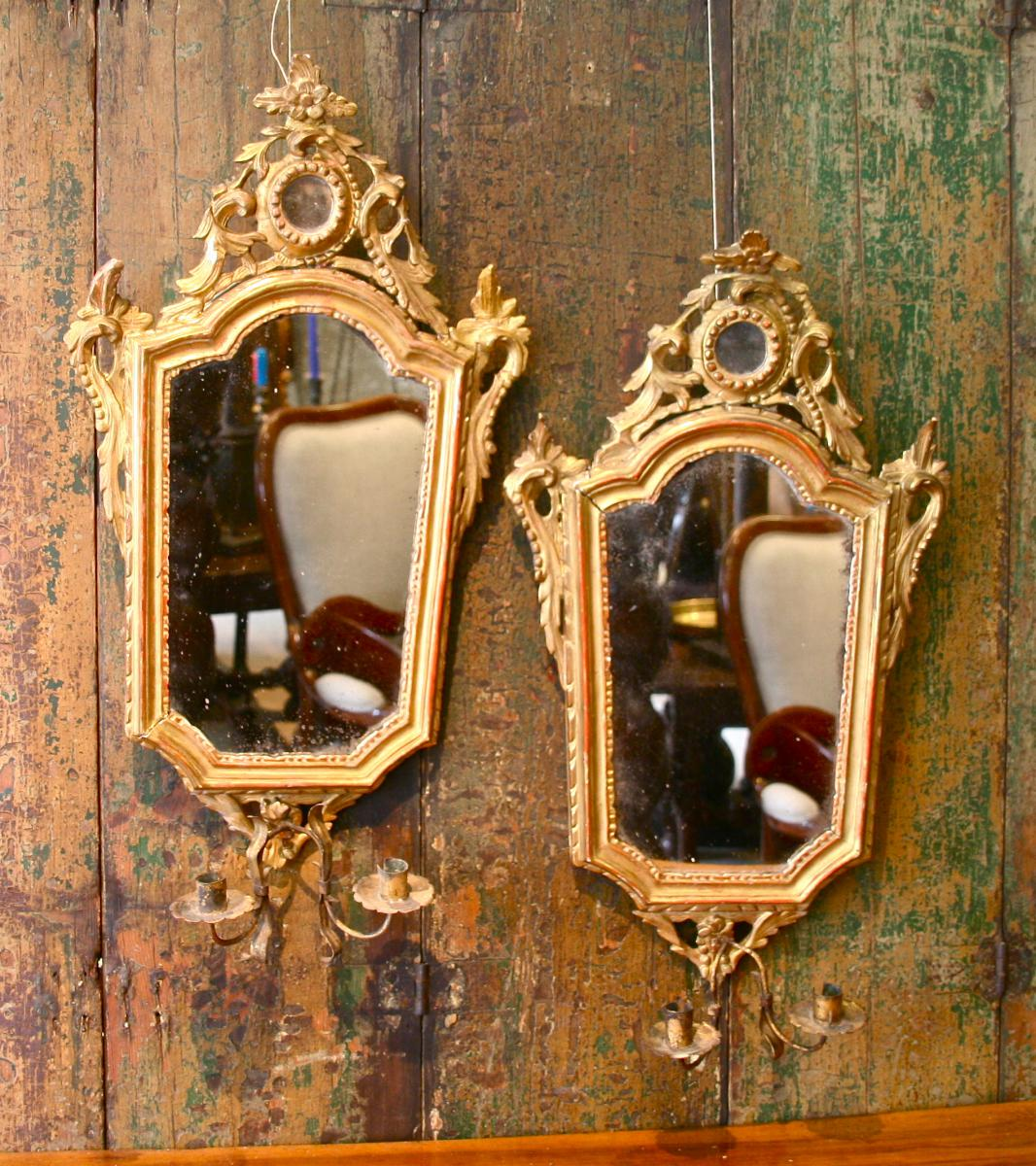 paire de miroir xviii me en bois dor avec porte lumi res miroirs. Black Bedroom Furniture Sets. Home Design Ideas