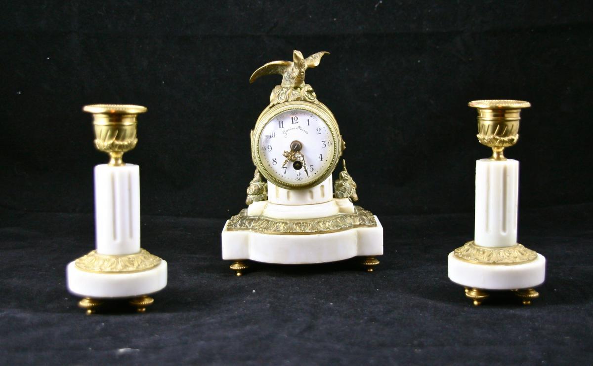 Pendule Et Bougeoirs XIXème En Marbre à Monture De Bronze Doré