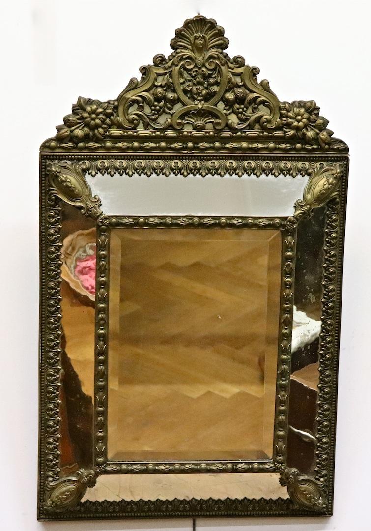 Miroir XIXème à Parclose En Laiton Repoussé