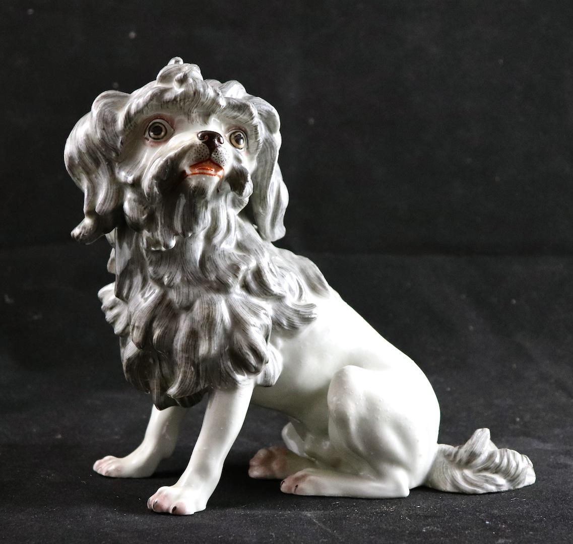 Chien XIXème En Porcelaine De Paris