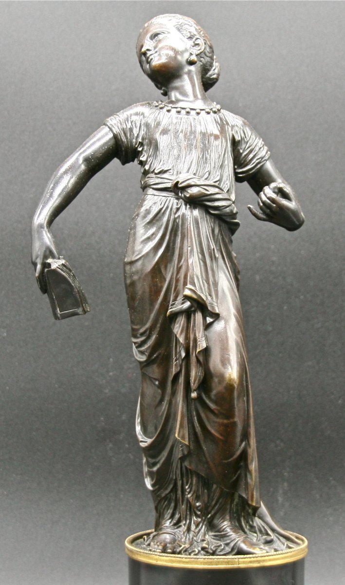 Bronze Woman In The Antique Of Eighteenth Time