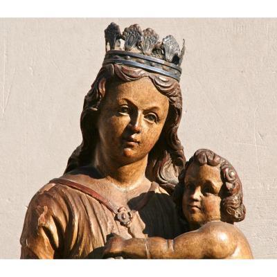 Vierge à la grappe polychrome XVIIIème En Noyer