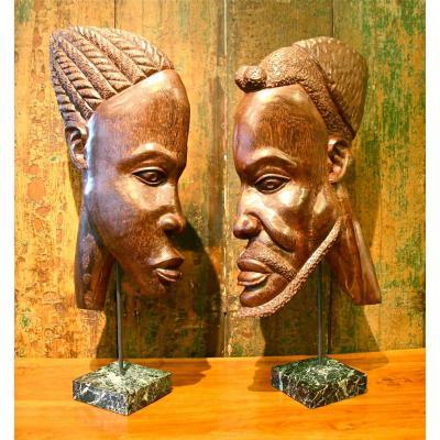 Paire De grands Masques Africains En Palmier Des Années 50