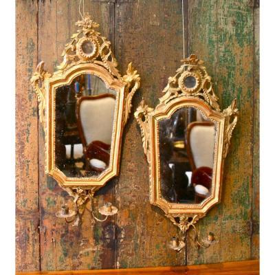 Paire De Miroir XVIIIème En Bois Doré Avec Porte Lumières