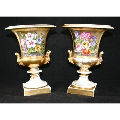 Paire De Vases Médicis XIXème En Porcelaine De Paris De Rihouet