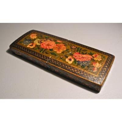 Étui Perse XIXème à Décor De Fleurs Peinte