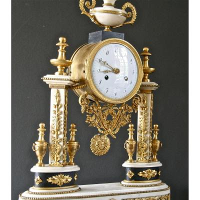 Louis XVI Portico Clock In Marble And Chiseled Bronze, 18th Century