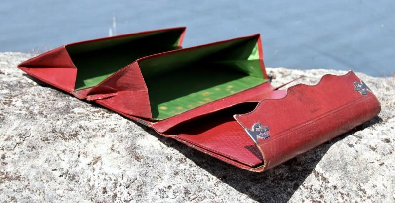 Pochette Souvenir XIXème En Maroquin Rouge -photo-2
