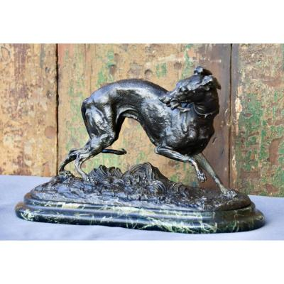 Nineteenth Doggy In Regulates Of Leads On Marble Base