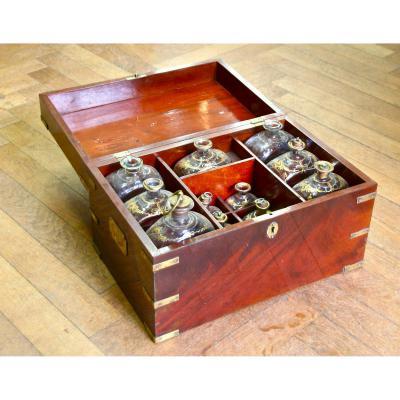 Boîte de parfumeur XIXème en acajou
