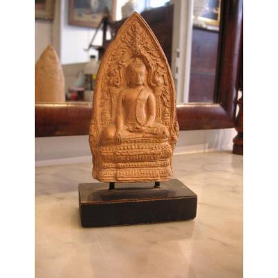 Bouddha terre cuite  / Stèle votive