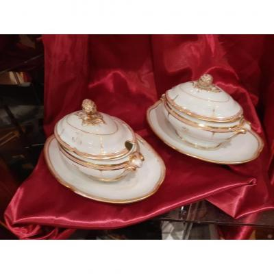 A Pair Of Sauce Boats In Old Paris