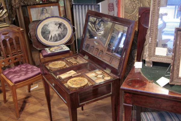 A.G.L Antiquités