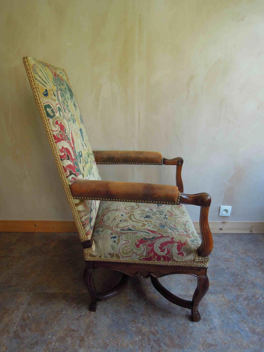Paire de fauteuils en noyer d'époque Régence-photo-4