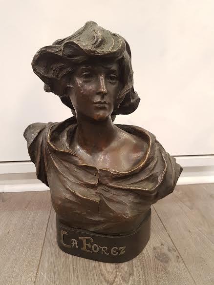 Buste De Femme En Bronze 'la Forez' Signé Madrassi