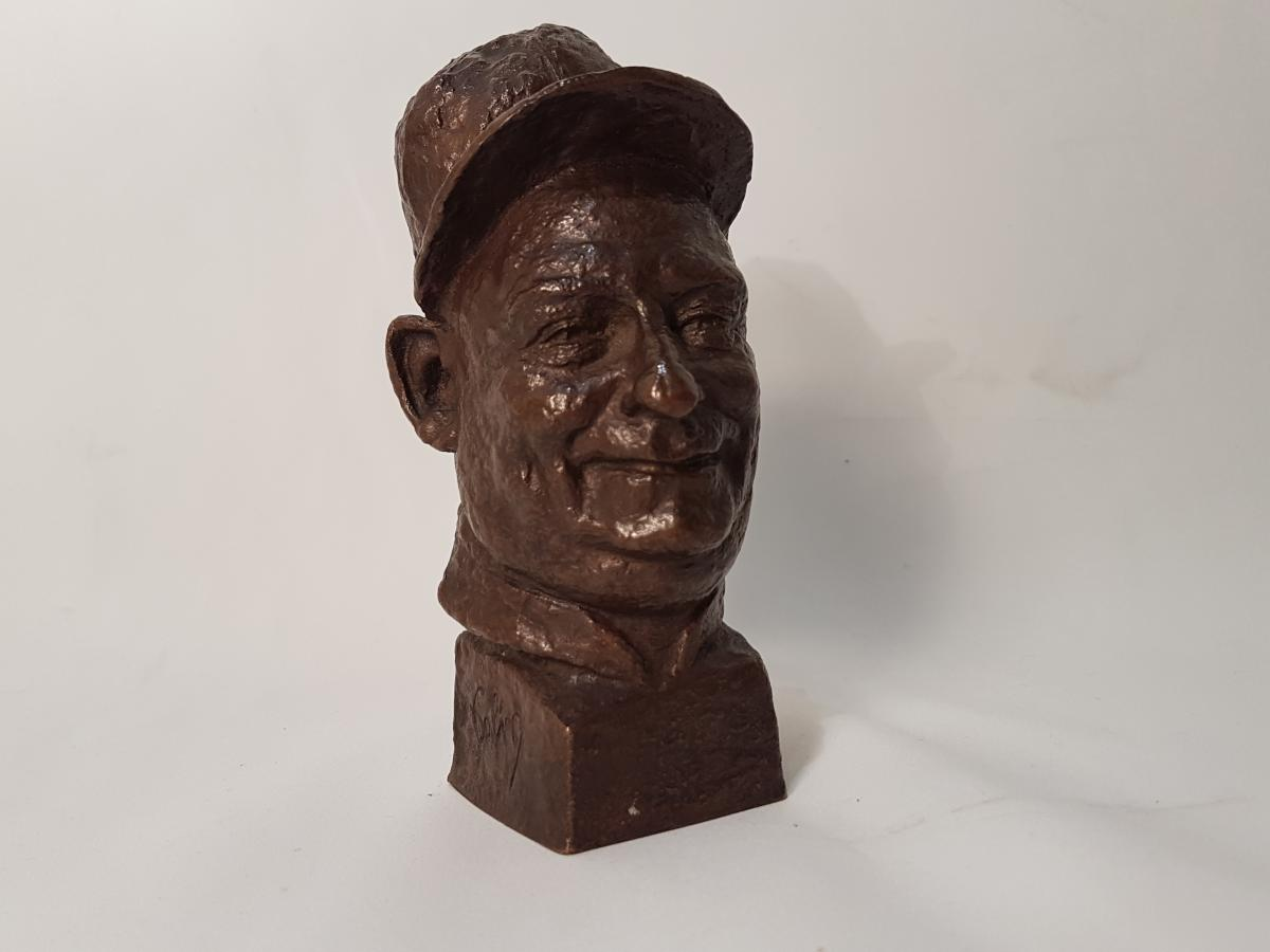 """Small Head Of Character """"golin"""" In Bronze Signed Yevievitch And Dated 1922-1927"""