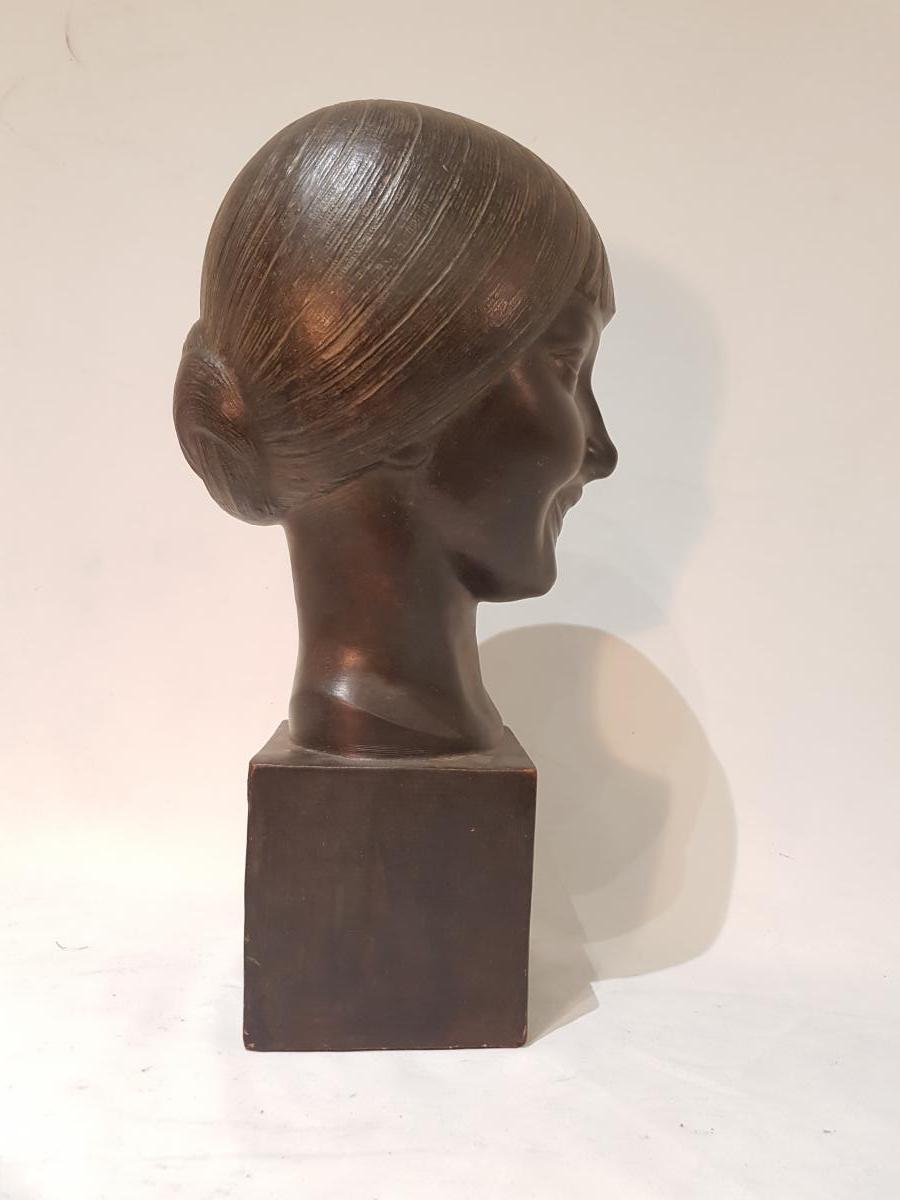 Buste De Jeune Femme En Terre Cuite Patiné Signée L. DORÉ Datée 1924. Edition Susse