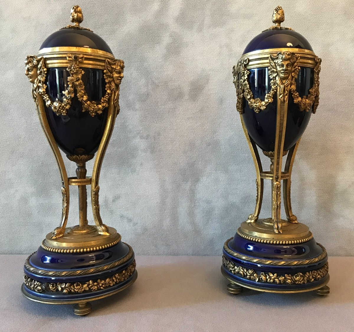 Pair Of Cassolettes Forming Candlesticks In Bronze And Blue Porcelain From The 19th Century