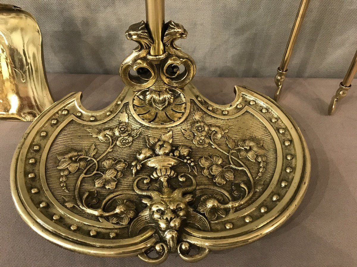 Lovely Fireplace Servant Decorated With Heads Of Rams In Bronze From The 19th Century-photo-3