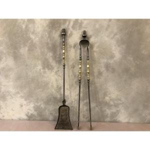 Set Of A Shovel And A Clamp In Iron And Polished Brass And 19th Century Varnish