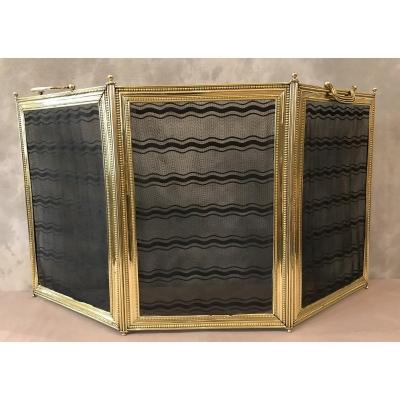 Antique Fireplace Screen In Polished Brass And Vintage 19th Louis XVI Style Varnish
