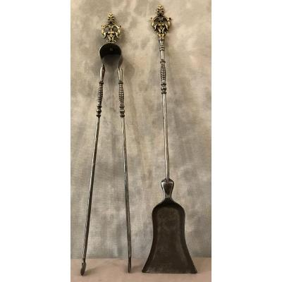 Ensemble D'une Pelle Et D'une Pince En Fer Et Bronze Poli Et Vernis D'époque 19ème