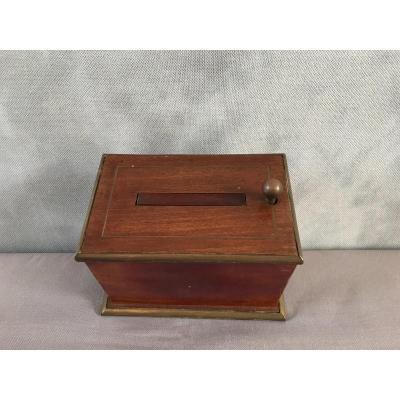 Napoleon III 19th Century Mahogany Cigarette Box.