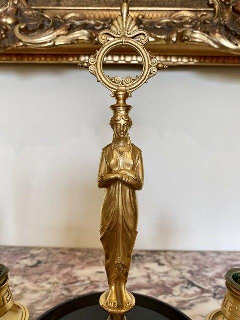 Attribué à BARBEDIENNE - Paire de Bougeoirs en Bronze Doré -photo-4