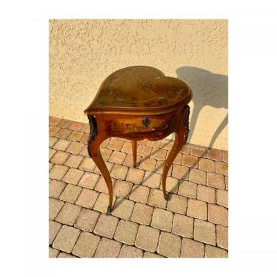 Varnish Table Martin Shape Heart Style L XV