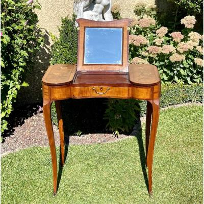 18th Century - Louis XV Period Marquetry Dressing Table