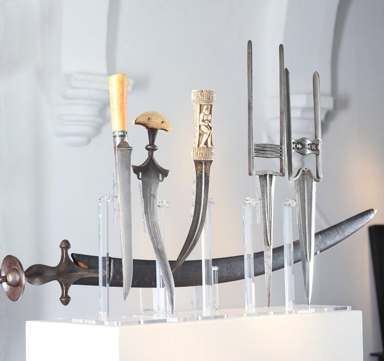 Helgot Antique Arms & Arts
