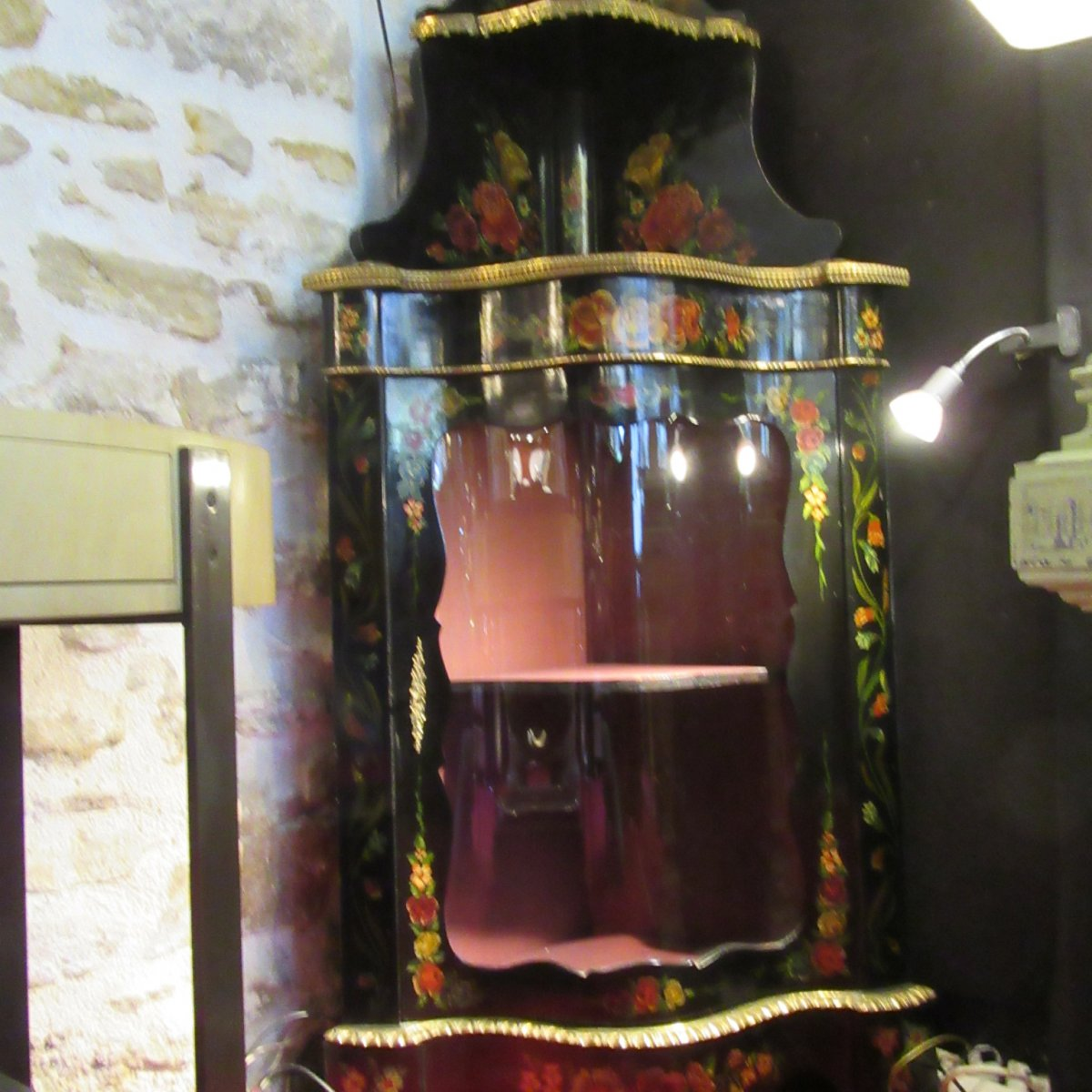 Encoignure Epoque Napoléon III En Poirier Noirci , Décor Floral Et Bronze