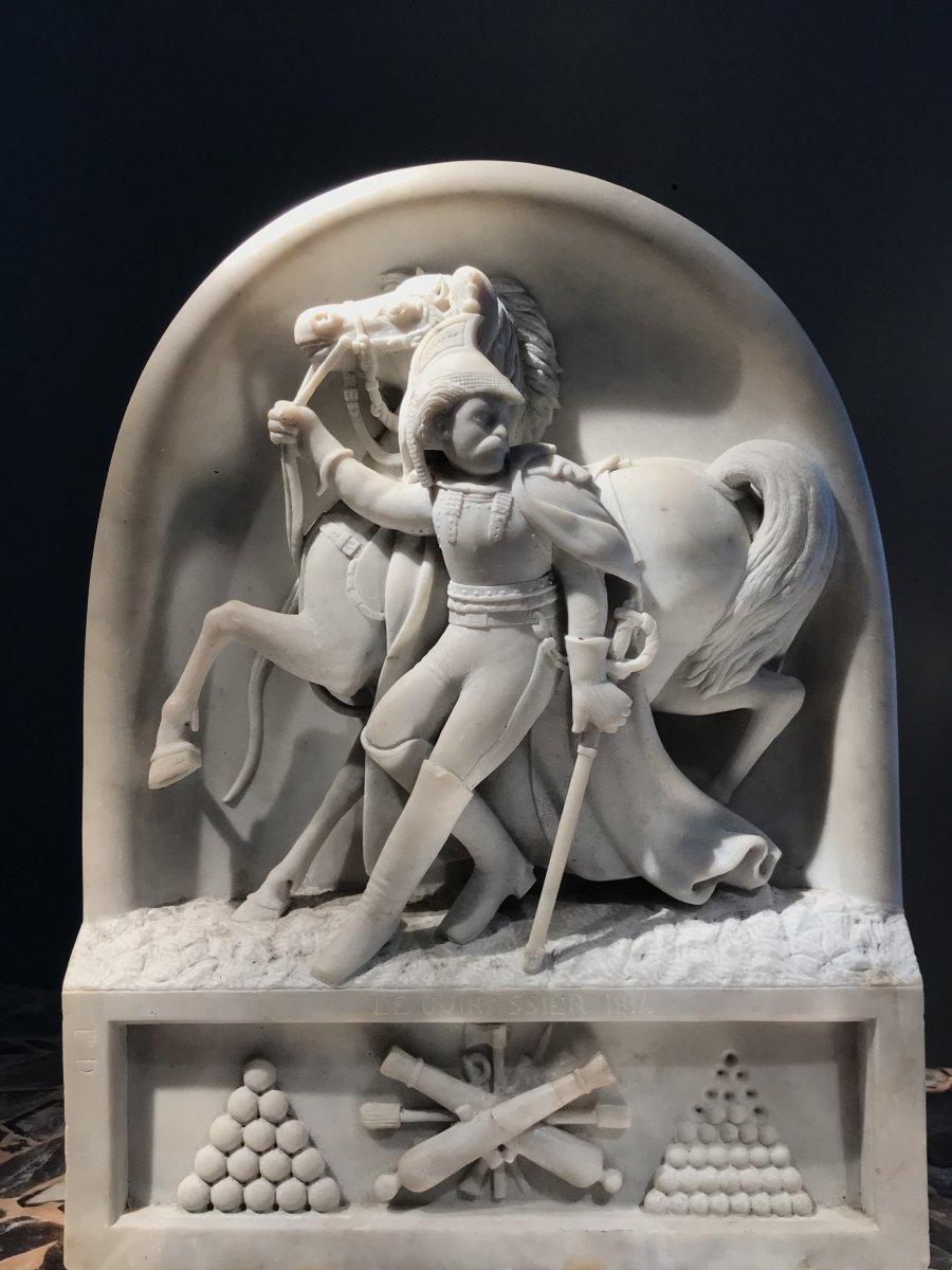 A. Desenfans (1845-1938), Le Cuirassier 1814, Haut Relief En Marbre De Carrare, Daté 1870.