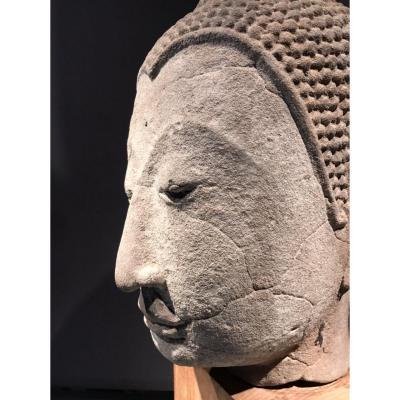 Tête Du Buddha En Grès, Thaïlande, Style De Kampaeng Phet, 15ième.