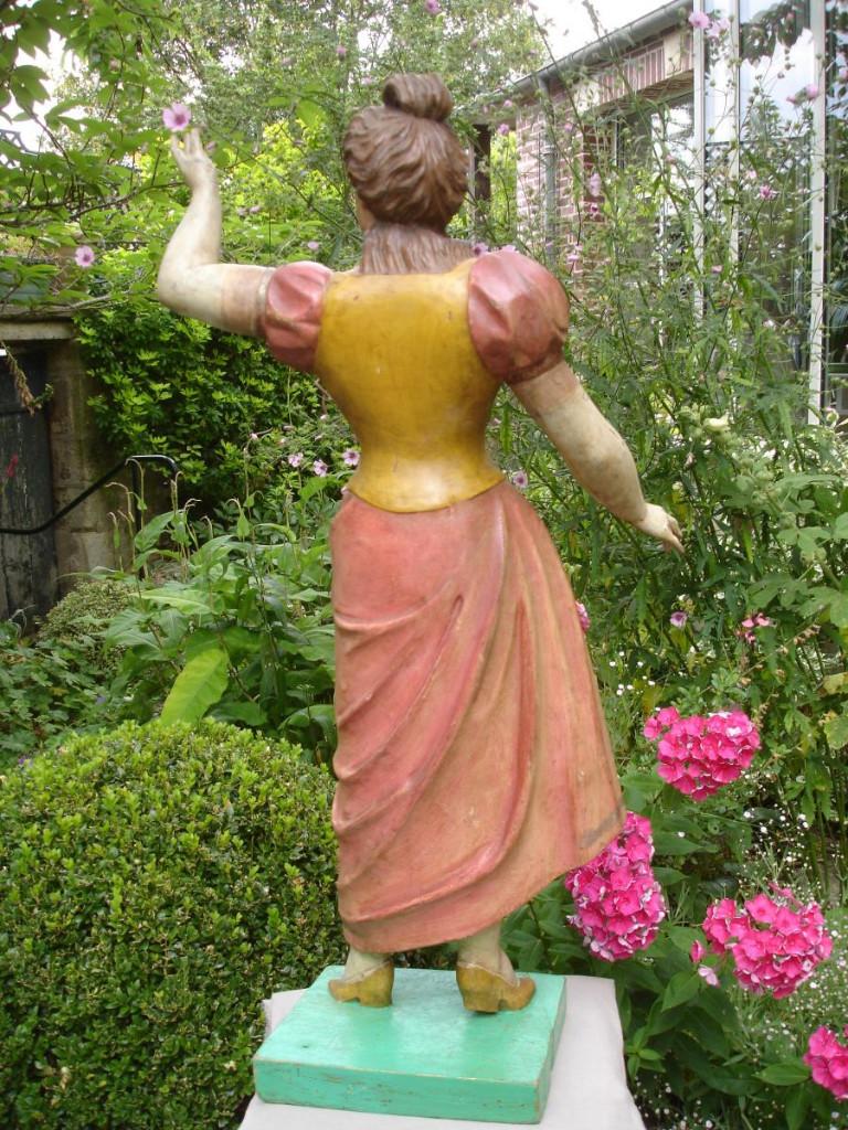 Statue De Personnage Foraine-photo-2
