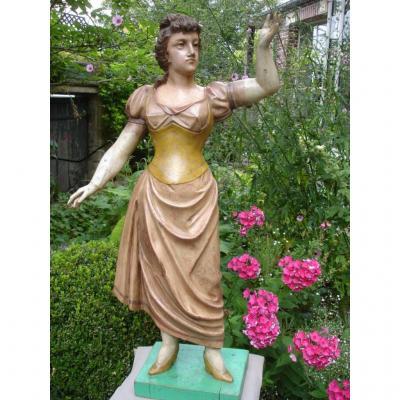 Statue De Personnage Foraine