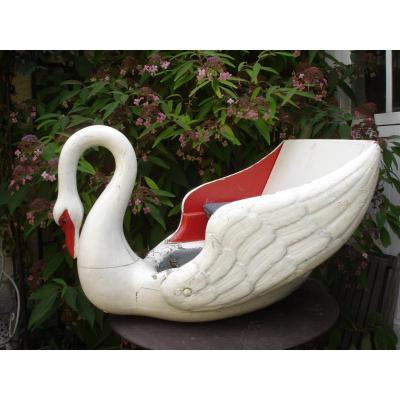Manege Swan