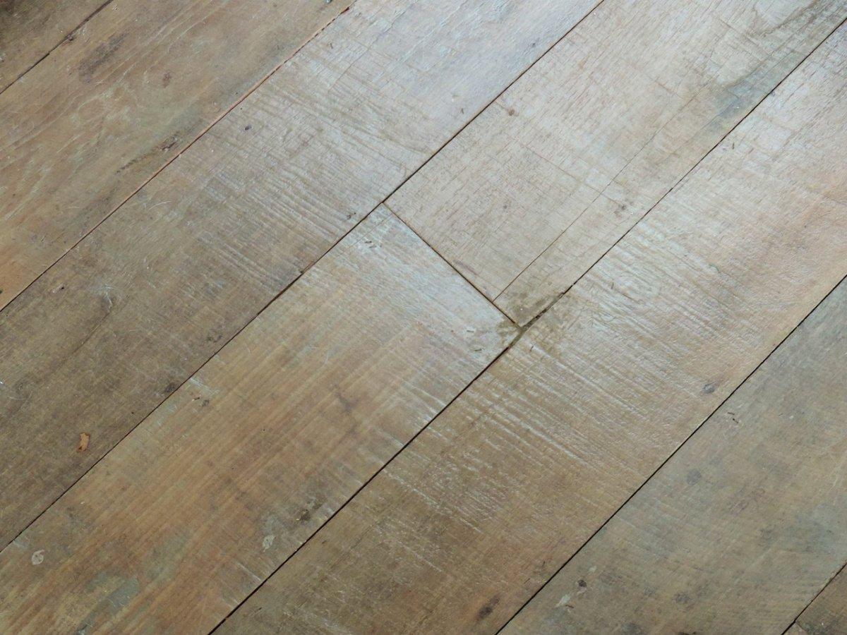 Lot 180 m2 Plancher en Teck ancien