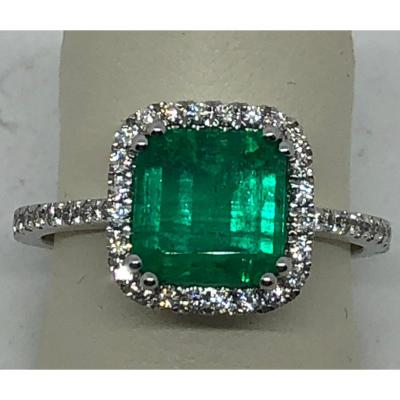 Emerald Ring 18 Kt White Gold