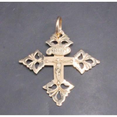 Chambery Cross In 18k Gold